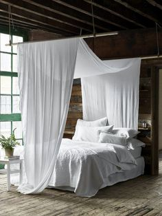 You belong to those groups people that rarely worry about glamour as well as over-the-top designs for your home, then this is definitely your current cup of joe. Read this content for diy home decor ideas on budget. Types Of Furniture, New Furniture, Bedroom Furniture, Bedroom Decor, Outdoor Furniture, Outdoor Decor, Rustic Bedroom Design, Bedroom Modern, Cute Dorm Rooms