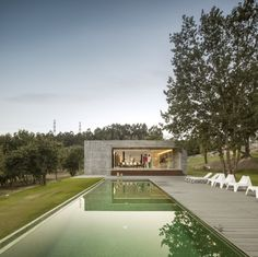 Located in the countryside near Penafiel, Portugal, Sambade House was designed by local firm Spaceworkers. Bungalows, Green Landscape, Landscape Design, Villa, Penafiel Portugal, Contemporary Architecture, Interior Architecture, Architecture Awards, Exterior Tradicional