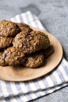Oatmeal and Dark Chocolate Cookies