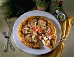 Spicy Pesto Chicken Pizza    #chicken #pizza #recipe Chicken Pizza Recipes, Pesto Chicken, Ratatouille, Spicy, Meat, Ethnic Recipes, Food, Essen, Meals