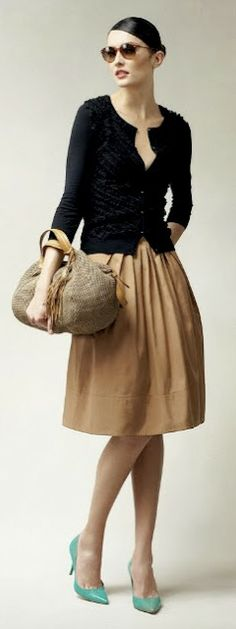 This combination with that pair of shoes... totally yesss