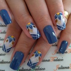 21 Gorgeous Flower Nail Art Designs Ideas for Spring You Must Try - Pretty Nail Art, Beautiful Nail Art, Gorgeous Nails, Hair And Nails, My Nails, Nagellack Design, Flower Nail Art, Fancy Nails, Nail Decorations