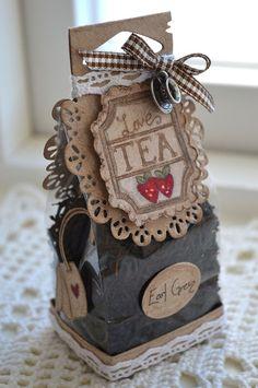 "A bag filled with fragrant tea ~ ""Tea for Two"" bag created using Magnolia Doohickey Dies / Hannas Hobbyblogg"
