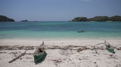Deserted beaches in Southern Lombok http://www.ethostravel.co.uk/Regions.asp?DPID=3&RID=13