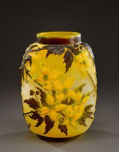"""ETABLISSEMENTS GALLE Rare vase de forme ovoïde à col resserré en verre[...], mis en vente lors de la vente """"Arts Décoratifs du XXème Siècle"""" à Art Auction France   Auction.fr"""