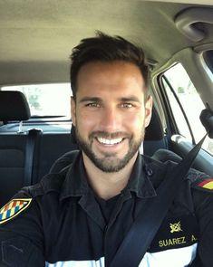 Hot Cops, Scruffy Men, Hairy Men, Beautiful Men Faces, Gorgeous Men, Beautiful Smile, Sexy Military Men, Look Man, Bear Men