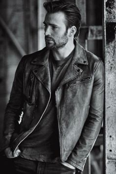 Chris Evans || InStyle magazine April 2016 || A million deaths I shall die as I lay my eyes upon thee. || totally, utterly, devastatingly handsome.