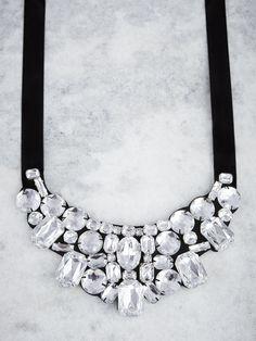Necklace | Bib Necklace | Gem Stones | Precious Stones | Fashion Accessory | Jewelry | Style Fiesta