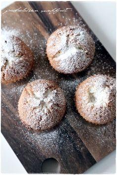 paholaisen muffinssit - vaaleanpunaisessa hirsitalossa
