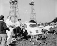 With the new series of Doctor Who well and truly launched, it's a good time for a Yesteryear look at Blow's Downs, overlooking Dunstable, in September Woburn Abbey, Jon Pertwee, Tardis, Doctor Who, Nostalgia, England, Events, Park, Pictures