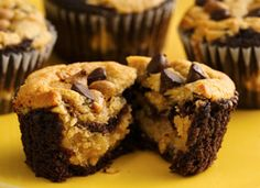 Peanut Butter Chocolate Cupcakes, yum!