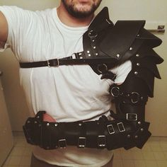 nice armor, I would use it for an Steampunk costume, but with dark brown leather