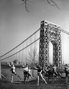 Rare, historic photos of New York City New York City Photos, Fort Lee, Washington Heights, Yahoo News, Hudson River, George Washington Bridge, Historical Photos, New Jersey, Dancers