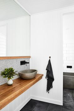 How to add value to Kitchens & Bathrooms - Salle de Bains 02 Bathroom Inspo, Laundry In Bathroom, Bathroom Inspiration, Bathroom Styling, Bench In Bathroom, Vanity Bathroom, Bathroom Wood Wall, Bathroom Ideas White, Simple Bathroom