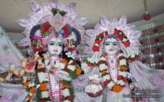 To view Sri Radha Venimadhav Close up wallpapers of ISKCON Allahabad in difference sizes visit - http://harekrishnawallpapers.com/sri-sri-radha-venimadhava-close-up-iskcon-allahabad-wallpaper-002/
