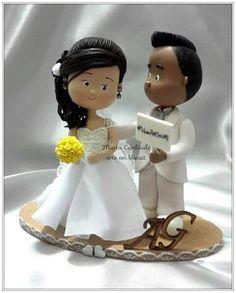 --Noivinha grávida-- #casamento #casório #festa #decoração #topodebolopersonalizado #amor #Toposdebolo #biscuit #coldporcelain #porcelanafria ♥ Orçamentos cacauphn@hotmail.com ♥ Watsap 11 984775720 ♥ www.biscuitdacacau.com.br ♥ Feito com carinho!