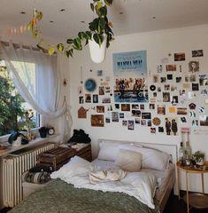 Room Ideas Bedroom, Bedroom Decor, Bedroom Inspo, Indie Bedroom, Pretty Room, Aesthetic Room Decor, Dream Rooms, Cool Rooms, My New Room