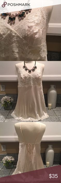 🎀Victoria's Secret Slip🎀 Beautiful VS Silk and Lace slip in ivory color. Soft and comfortable. In excellent condition. 100% Silk Victoria's Secret Intimates & Sleepwear