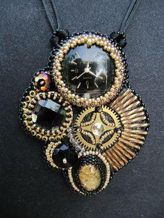 pendentifs et bracelet temps modernes 008