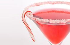 Candy Cane Martini by Martha Stewart. 1 candy cane, crushed, for garnish 2 ounces strawberry vodka 4 dashes white creme de menthe 2 ounces cranberry juice Ice cubes Christmas Drinks Alcohol, Christmas Cocktails, Holiday Cocktails, Christmas Martini, Candy Cane Cocktail Recipe, Cocktail Recipes, Cocktail Ideas, Drink Recipes, Alcohol Recipes