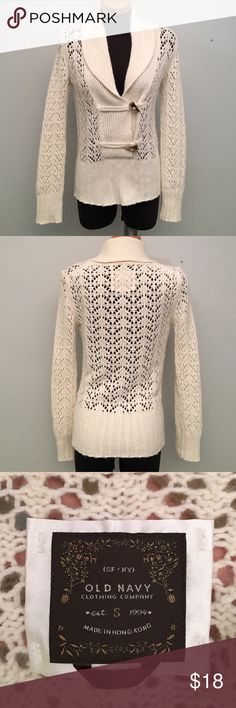 Cream Sweater. Super cute! Will fit up to a Medium. Actual size is a Small. (B3) Old Navy Sweaters