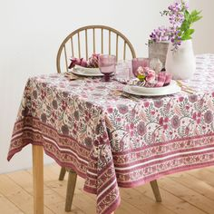 FLORAL COTTON TABLECLOTH AND NAPKIN
