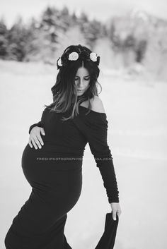 www.freshphotographybymelissa.com Snow photography winter maternity pictures maternity photos