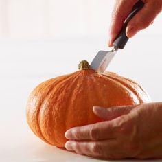 Vyřezání hrdla vázy nožem Tips Belleza, Pumpkin, Vegetables, Ideas Para, Food, Halloween Prop, Pumpkins, Veggies, Vegetable Recipes