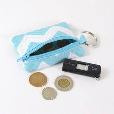 Really really easy zippered pouch tutorial