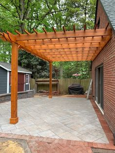 Attached Pergola Designs Patio designs using attached pergolas create a nice cover for your outdoor patio. Find an attached pergola design to fit your backyard space for ultimate backyard living. Diy Pergola, Building A Pergola, Pergola With Roof, Wooden Pergola, Outdoor Pergola, Covered Pergola, Outdoor Patios, Metal Pergola, Cheap Pergola