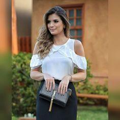 """56 curtidas, 28 comentários - Santa Santina (@lojasantasantina) no Instagram: """"Blusa em crepe com babados...  ✔Pagamento via depósito bancário ✔ Cartões de crédito via…"""""""