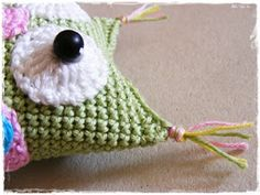Fizule71: Háčkovaná sovička Crochet Hats, Christmas Ornaments, Holiday Decor, Tatoo, Knitting Hats, Christmas Jewelry, Christmas Decorations, Christmas Decor