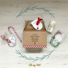 Kit de supervivencia para una Navidad perfecta Place Cards, Gift Wrapping, Place Card Holders, Packaging, Gifts, Gift Ideas, Christmas Nails, Christmas Presents, Gift Boxes