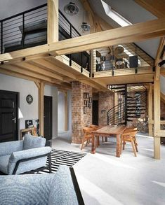 Les poutres apparentes sont pour beaucoup d'entre nous un calvaire en termes d… The exposed beams are for many of us a calvary in terms. Loft Interior Design, Loft Design, Modern House Design, Interior Architecture, Exterior Design, White Hardwood Floors, Budget Home Decorating, Decorating Tips, Loft Interiors