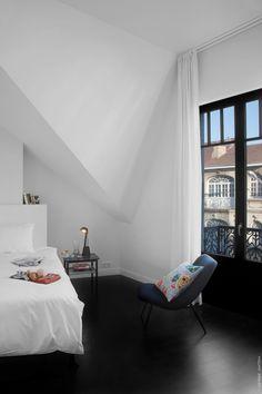 Slaapkamer aan het inrichten met een donkere vloer? Makeover.nl