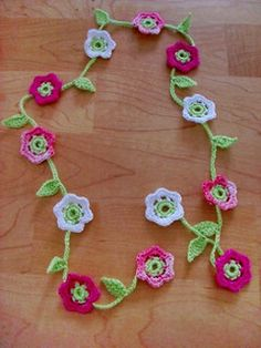 Chain of flowers: Free Ravelry pattern
