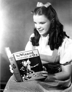 Judy Garland reads The Wizard of Oz, 1939