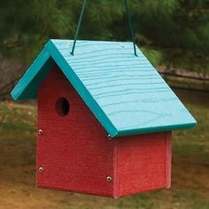 Going Green (Recycled) Wren Bird House - Sloped Roof