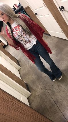 Love these jeans Summer Outfits, Girl Outfits, Cute Outfits, Fashion Outfits, Country Style Outfits, Western Outfits, Cute Fashion, Look Fashion, Spring Summer Fashion