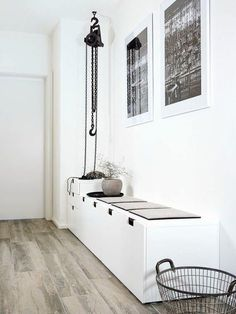 Tips på dold förvaring med Ikeas serie Nordli nordli ikea hall Ideas Recibidor, Nordli Ikea, Decoration Entree, Diy Home Decor, Room Decor, Hallway Inspiration, Small Hallways, Hallway Designs, Hallway Ideas
