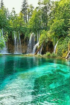 Beautiful waterfall in deep forest – 33 Most Beautiful Places In America Before You Die + Budget Travel Beautiful Waterfalls, Beautiful Landscapes, Beautiful Scenery, Dream Vacations, Vacation Spots, Places To Travel, Places To See, Beautiful Places In America, Nature Pictures
