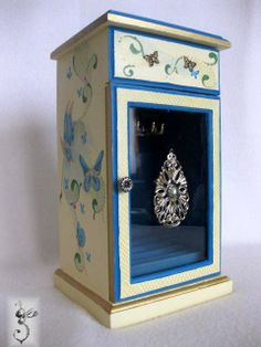 Hand painted jewelry box, upcycled.