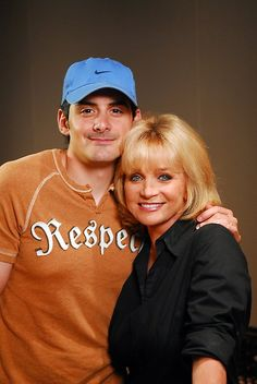 Brad Paisley and Barbara Mandrell. Country Western Singers, Country Musicians, Country Music Artists, Country Men, Country Music Videos, Country Music Stars, Tom Selleck, Brad Paisley, Good Music