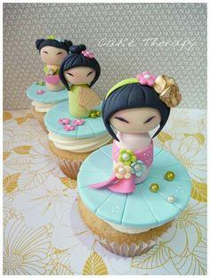 Kokeshi dolls cucpakes