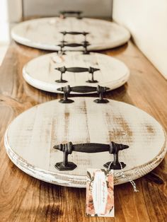 Your place to buy and sell all things handmade - Farmhouse Distressed Wood Tray Lazy Susan 15 (Pictured is Old White Distressed) These are spinning - Diy Wood Projects, Wood Crafts, Woodworking Projects, Fine Woodworking, Articles En Bois, Deco Buffet, Table Cafe, Diy Holz, How To Distress Wood