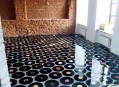 Soul music design Flooring would be cool in a music room! Vinyl Record Crafts, Vinyl Records, Cafeteria Retro, Diy Home Decor, Room Decor, Epoxy Floor, Vinyl Flooring, Flooring Ideas, Easy Flooring
