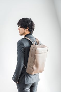 #objctsio #objcts #leather #leatherbag #bag #craftmanship #productdesign #fashion #technology #accessories #work #waterproof #teabrown Fashion Technology, Waterproof Backpack, Sling Backpack, Leather Bag, Backpacks, Medium, Brown, Bags, Accessories