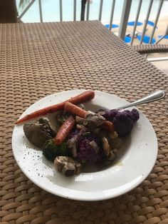 Lange diet plan.  Boiled chicken livers with assortment of mixed vegetables. Organ meats are good once a week. Very high in vitamin a, b12 and iron.