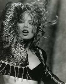 Between 1984 and Kim Wilde was signed to MCA Records. Her record company regularly issued press photos for magazines, newspapers and other interested parties. See also: RAK promo photos, Pop Singers, Female Singers, Kim Wilde, Divas, Pat Benatar, Kim Novak, Pop Rock, Idole, Famous Girls