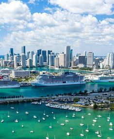 Destin Florida, Miami Skyline, Miami Photos, Miami City, Urban Landscape, Cool Places To Visit, Night Life, Instagram, Travel